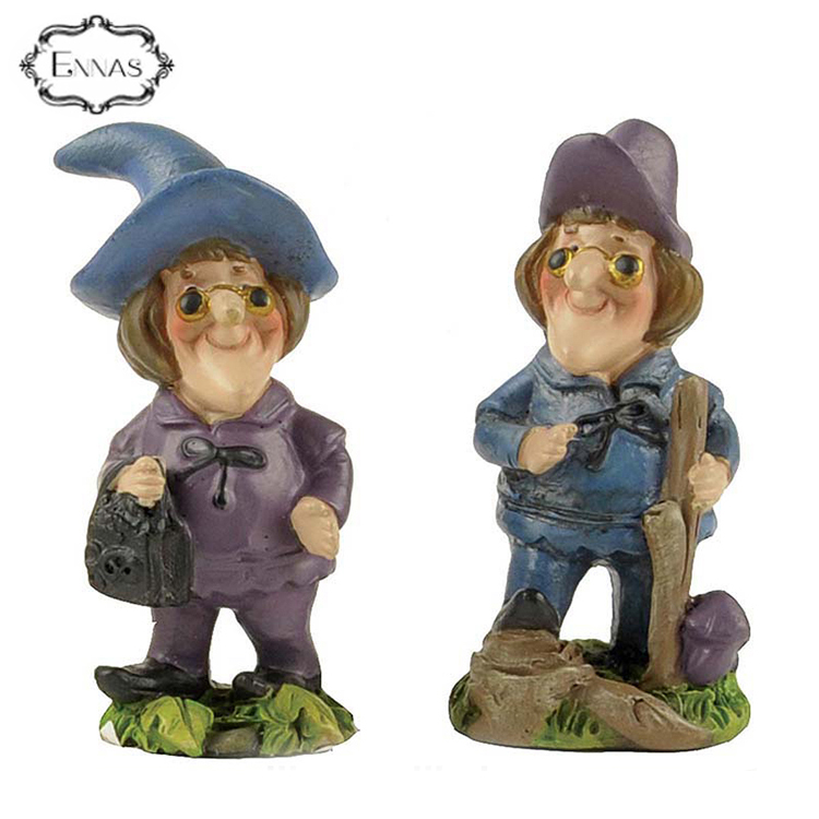 New product 2019 one piece resin figure witch for halloween decoration