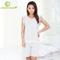 breathable material fashion plus size sleepwear gowns