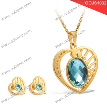 Elegant stainless steel 18K gold Crystal Design Premier Jewelry Set