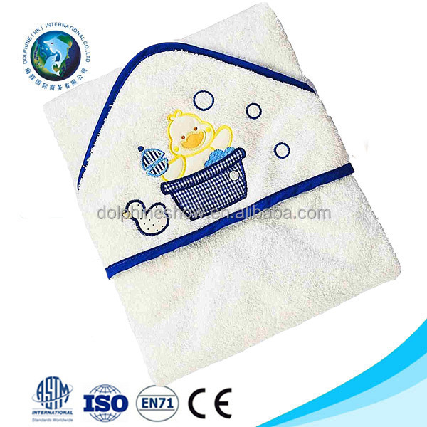 AZO free Brand LOGO 100% cotton white baby bamboo hooded bath towel Fashion 2017 kids cartoon duck embroided towel