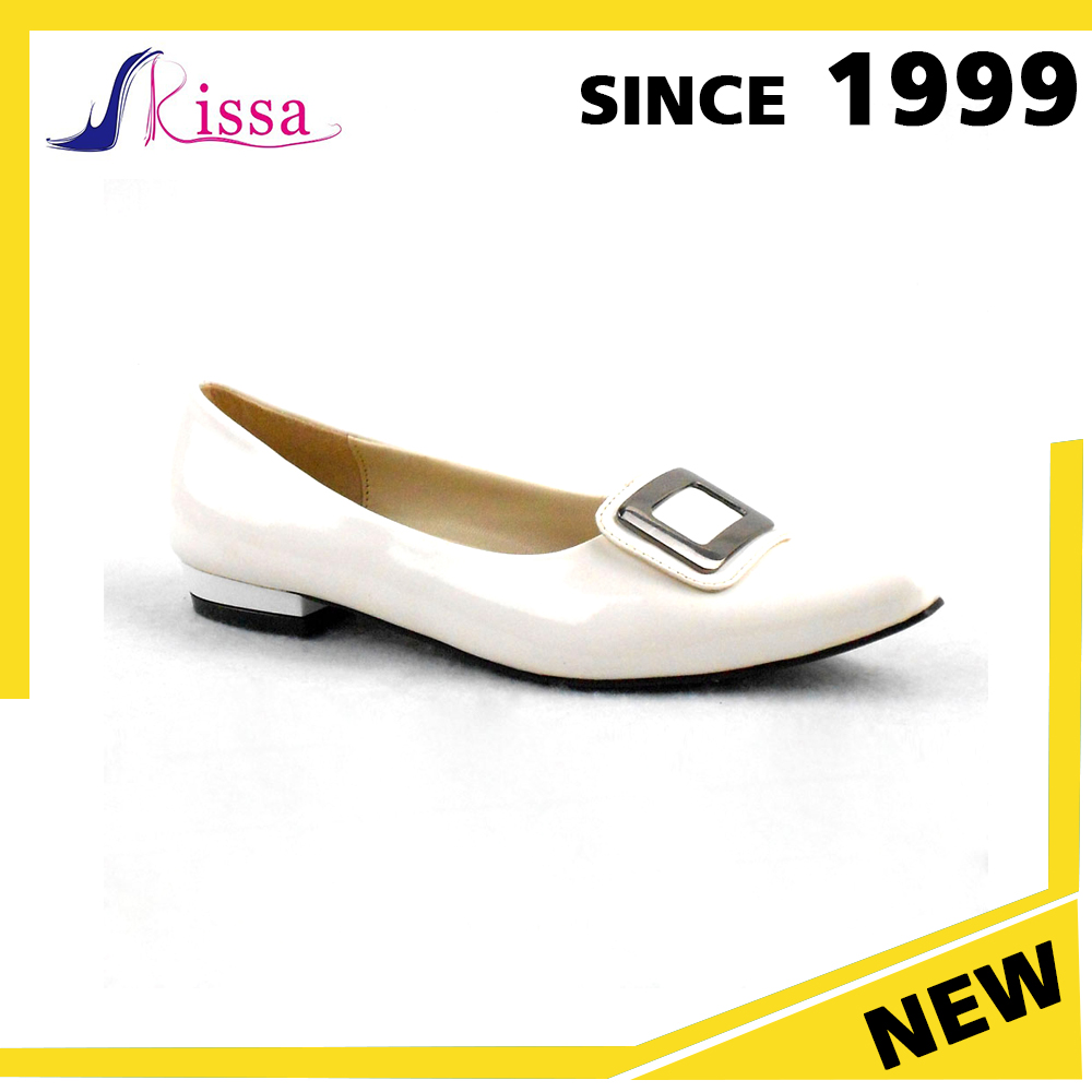 Factory Price Cheap Shoes White PU Low Heel Dress label Shoes Women slippers factory in philippines