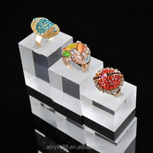 Cheap new design plastic jewelry display stand luxury Acrylic Ring display stand Manufacture