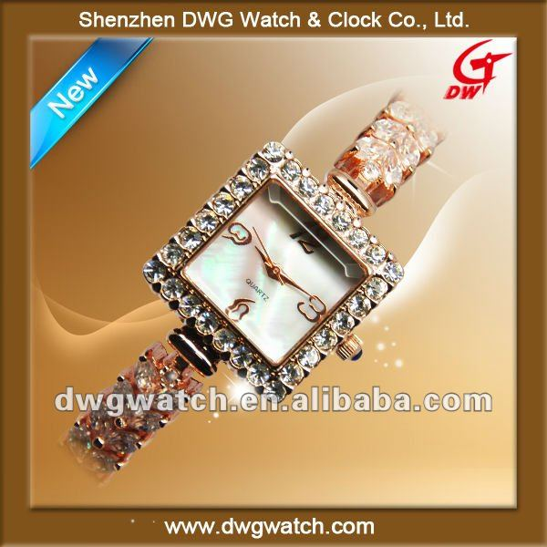 Water proof crystal geneva watch with Rose gold color
