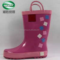 2015 New Cute Checks Printed Rubber Rain Boots with Strap for Kids
