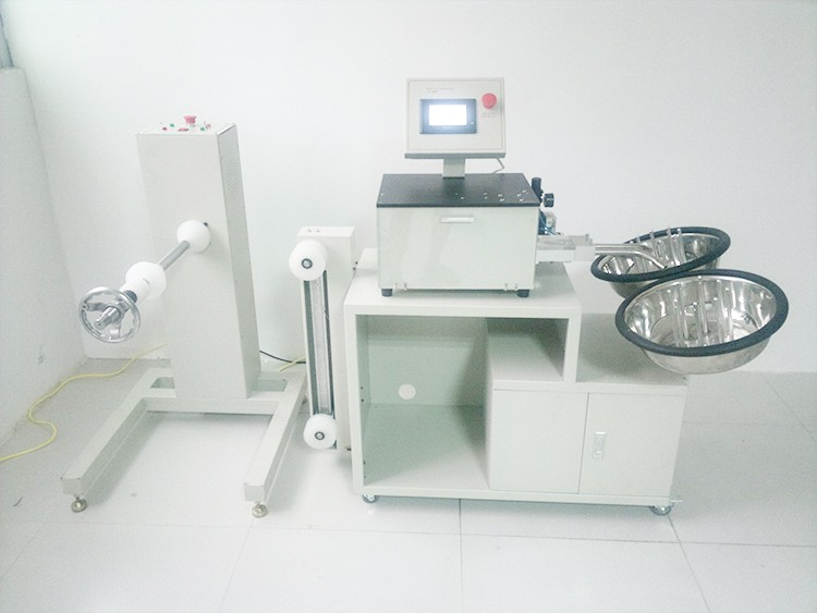 Automatic fiber optic cable cutting machine for fiber optic patch cord production