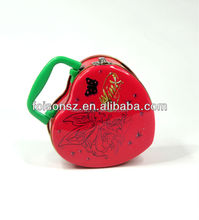 golden supplier heart shape candy tin box with plastic handle