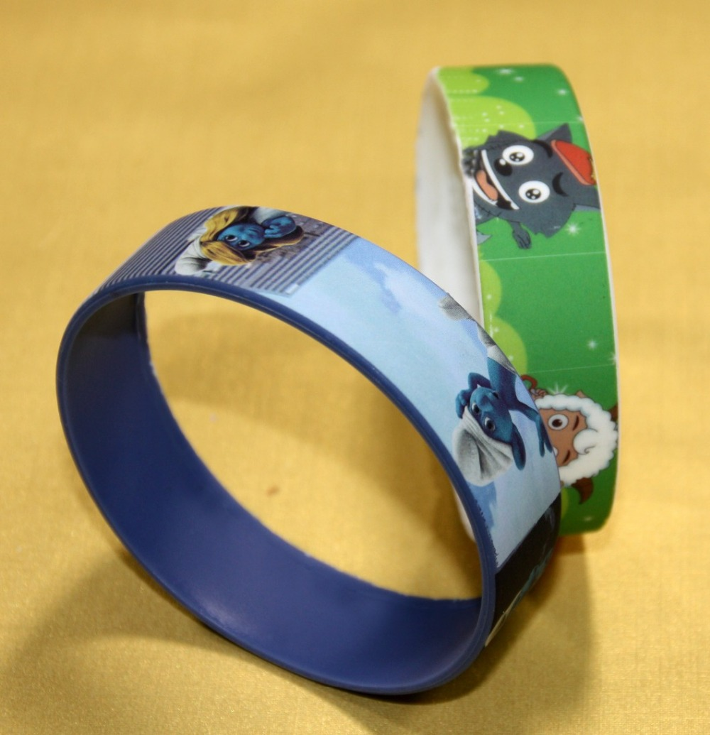 More than 10 years manufacturing and exporting factory to make your personalized Silicone Wristbands