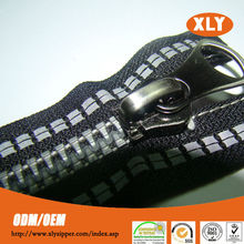 Special luminous reflective zipper high quality plastic zipper with thumb puller