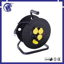 Good quality 3G1.5 IP44 socket cable reels