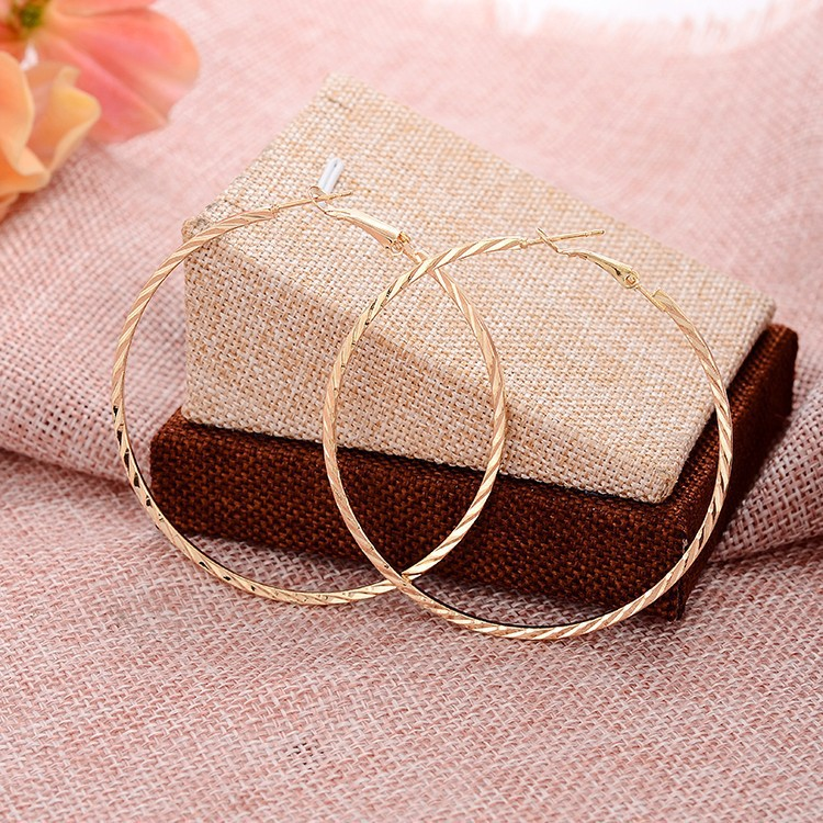 Hot selling cheap fashion nightclub style new jewelry new 2016 latest simple gold geometric earring designs for women