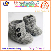Top selling factory price hand knitted baby booties