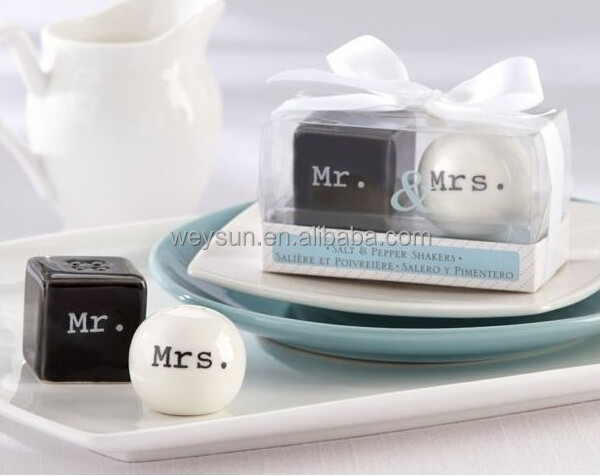 "Wedding Favors Gifts--""Mr. & Mrs.""Black and white Ceramic Salt and Pepper Shakers"