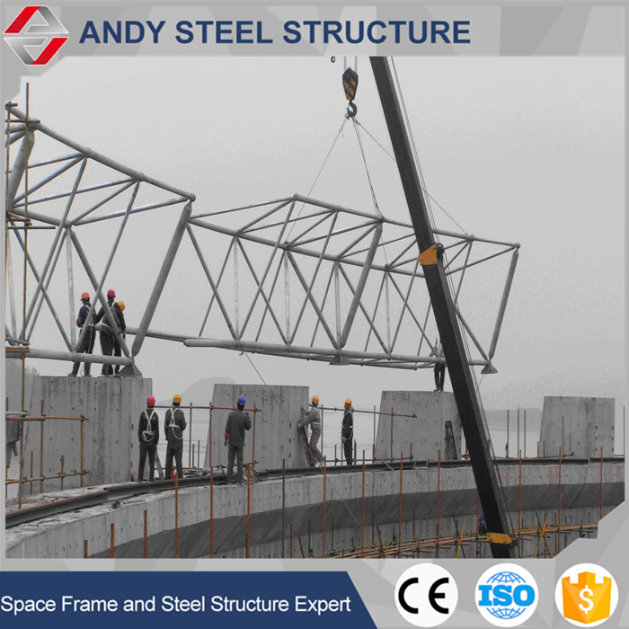Light weight triangular steel curved roof truss