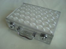 Aluminum bling makeup case with light ,cosmetic case manufacturer with mirror,professional portable cosmetic case