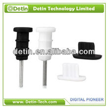 A set of White and black Simple anti-dust earphone plug caps for iphone 4 4s 5 5g