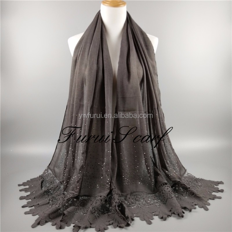 High Quality Muslim Hollow Lace Diamond Scarf Luxury Women Shawls Hijab Islamic Muslim Ladies Cottraps Soft Scarves Voile Shawls