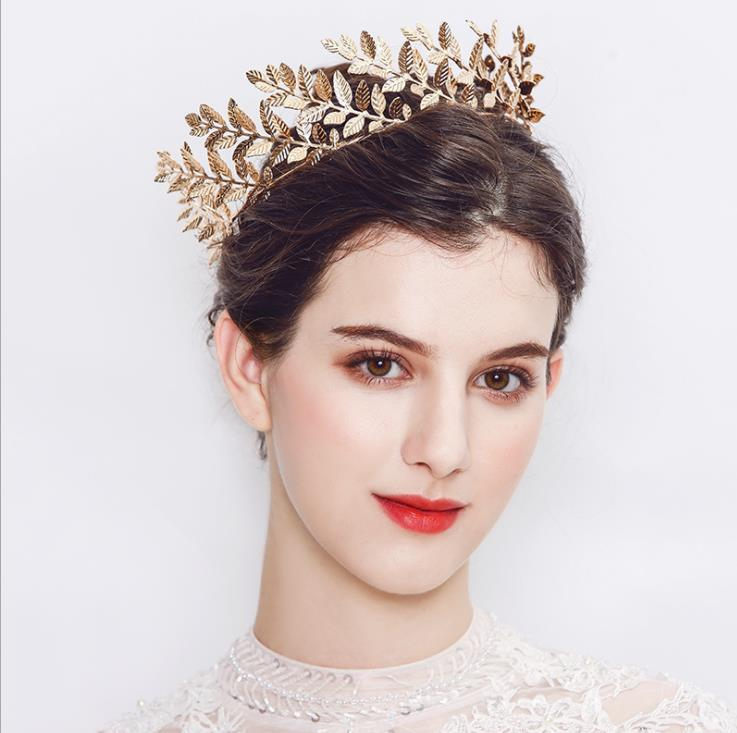 Latest style wedding jewelry leaf shaped imitation pearl wedding tiara and <strong>crown</strong>