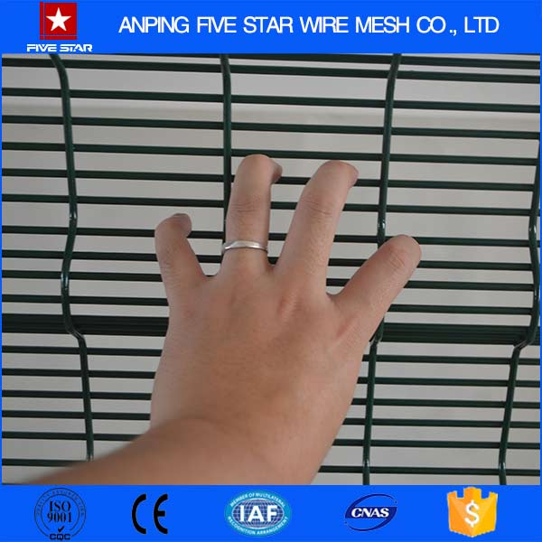 anti climb and anti cut airport security fence manufacturers from china