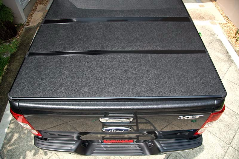 hard tri fold tonneau pickup cover accessories for 2011 volkswagen VW amarok