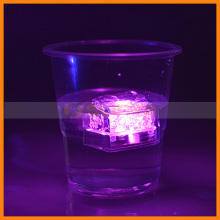 Fashion Non-toxic Water Submersible Flashing Ice Glowing Night Light for Decoration