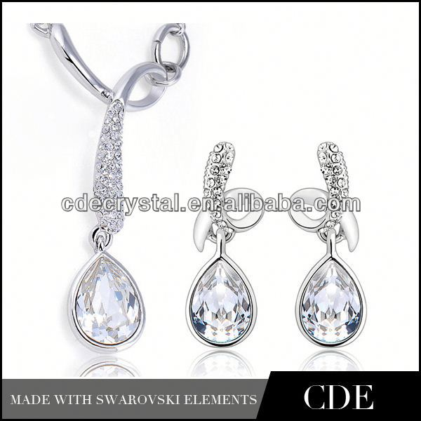 wholesale crystal fashion neckalce and bracelet and earring and ring set