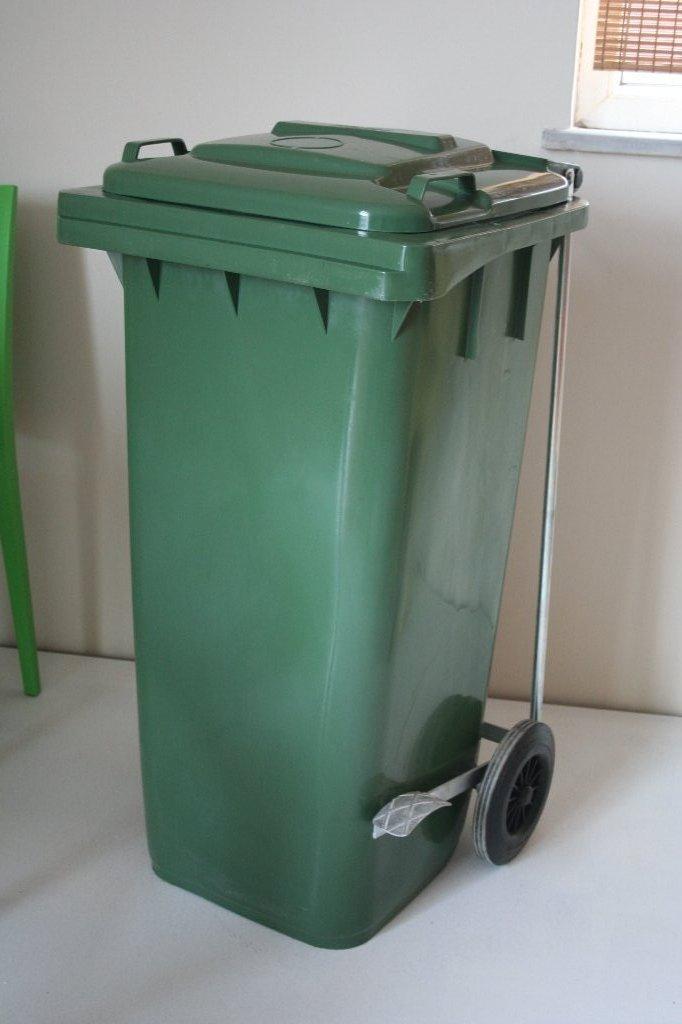 120 litres en plastique int rieur et d 39 ext rieur d chets for Grande poubelle exterieur