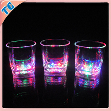 new design plastic flashing led beer cup