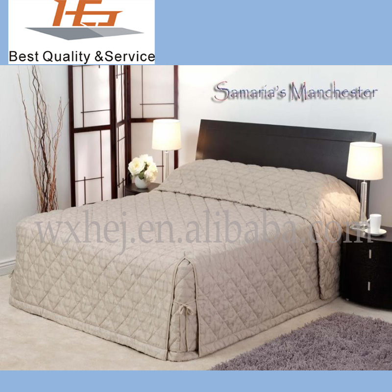 Factory price of 100% cotton queen size quilted bedspread solid color for home and hotel
