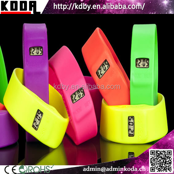 Cheap Leisure Silicone Bracelet Electronic Watch