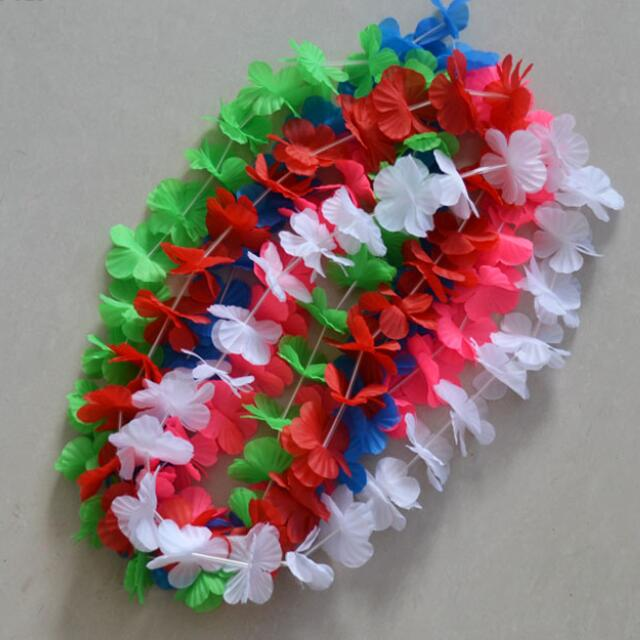 HAWAII LEI GARLAND MADE OF FABRIC USED AS FLOWER NECKLACE