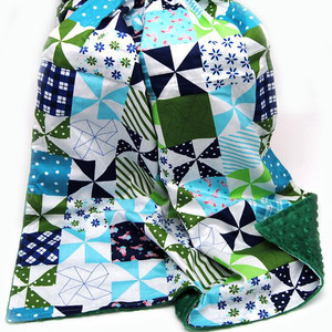 New Design Print Cotton and Minky Heart 2 Sides Use Portable Minky Blanket