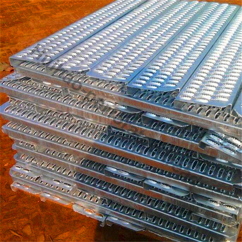 Anti-skid perforated metal plates manufacturing experts in anping county