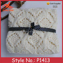 P1413 new design white crochet cable knitting soft touch baby blankets