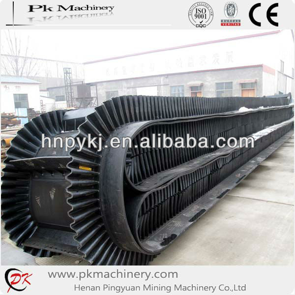 Tilt Angle Cleatd Rubber Belt Conveyor for Sale