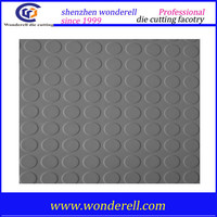 Easy clean non toxic black round dot outdoor basketball court raised natural rubber flooring