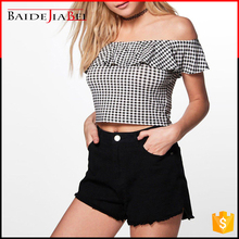 Fashion High Quality Polyester or Cotton Off Shoulder Boat Neck Lady Blouse & Top in Plaid