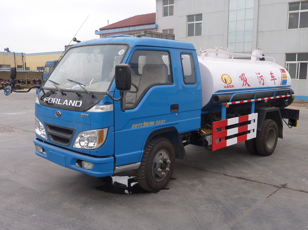 New ZJH5080GXWB Euro 3 Emission Standard/ 8m3 Ruvii 4x2 Suction Sewage Tanker /Sewage Suction Truck with Suction
