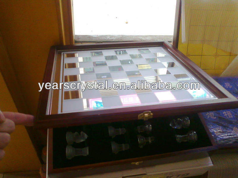 2013 new arrival Crystal Chess Set in wood gift box(R-2020