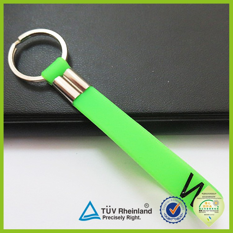 Promotional gifts plastic cartoon silicon key chain rubber custom pvc keychain