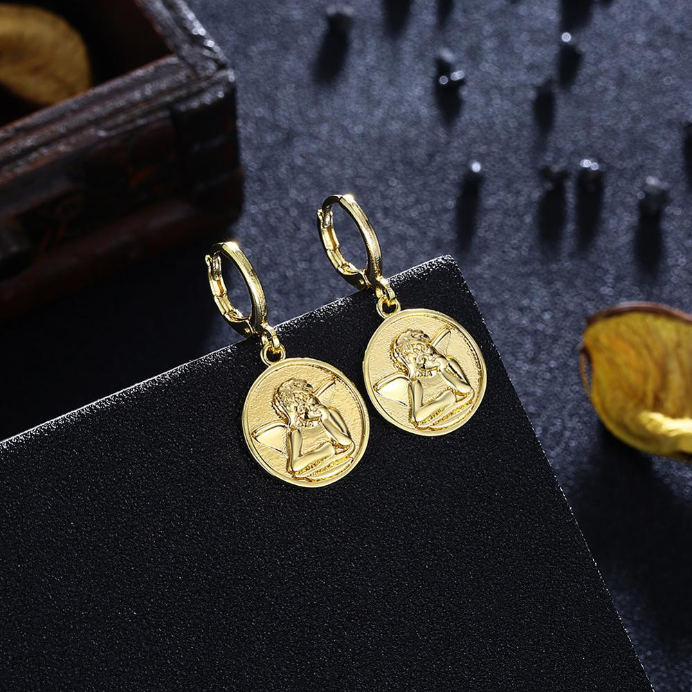 Gold plated round coin low price fashion person design <strong>earring</strong>