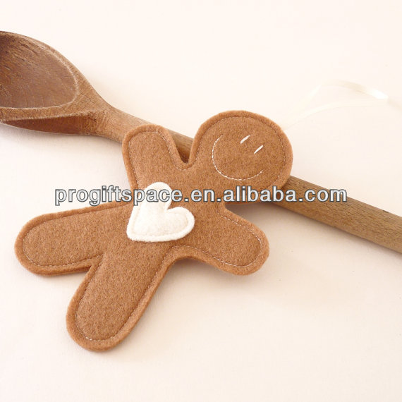 2017 new fashion handmade wool Felt Gingerbread With Heart Christmas Decoration made in China