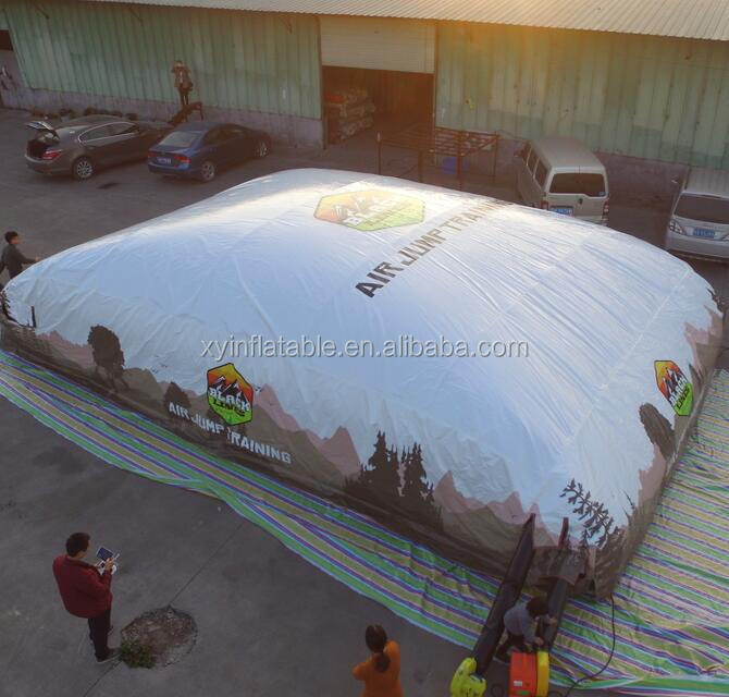 Customed size inflatable jumping big air bag for sale