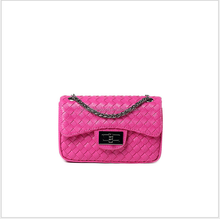 Wholesale Woven metal chain lady shooulder bag /Classicial elegant small girls bag PU leather women Hand bag