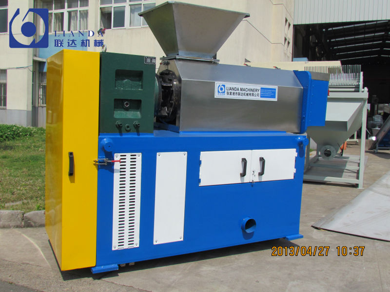 PE, PP film squeezing machine
