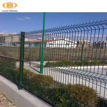 Free samples high quality 2017 new product v fold welded wire mesh fence