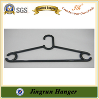 Realiable Quality Supplier Plastic Cheap Woman Clothes Hanger