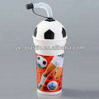 500ml Football Plastic Cup with straw and lid/advertising cup