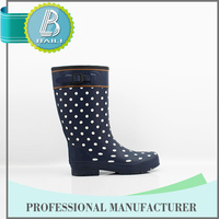 2016 Newest Customized designs Rubber Cheap gum boots