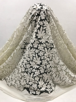 Hot selling 3d flower fabric embroidered tulle lace african beaded Stone bead lace fabric for wedding dress