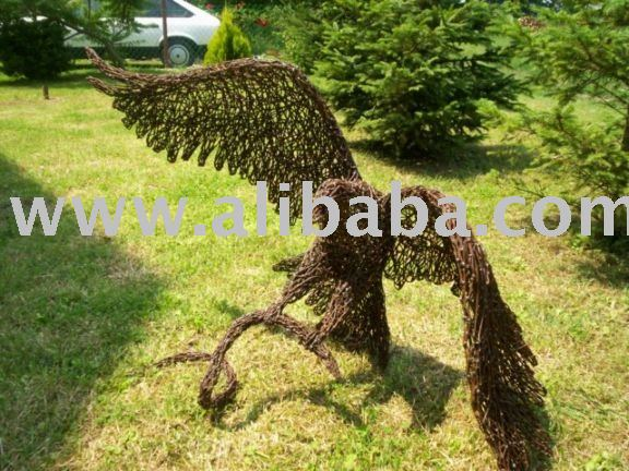 Wire Eagle sculpture